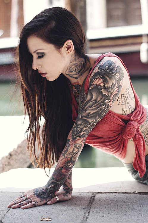 stylish new tattoos girls facebook profile pictures