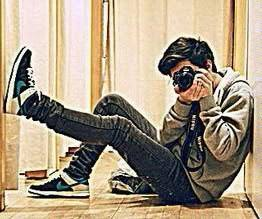 boys with digital camera Facebook DP