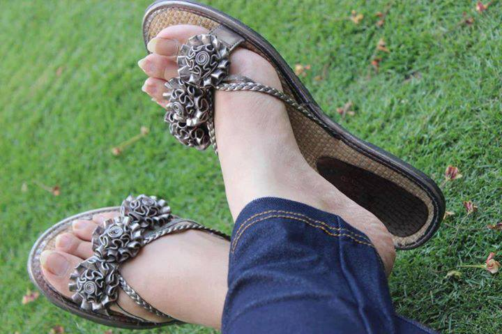 stylish and beautiful shoes girls facebook display pictures