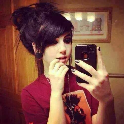 Cute and Emo Girls Facebook DP,s