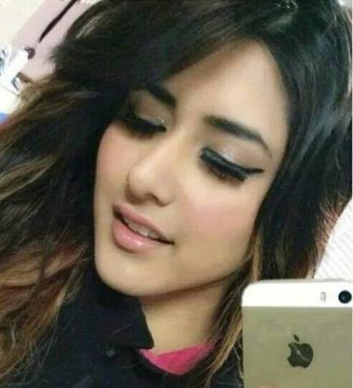 Cute Girls Profile Pictures For Facebook With Apple iPhone
