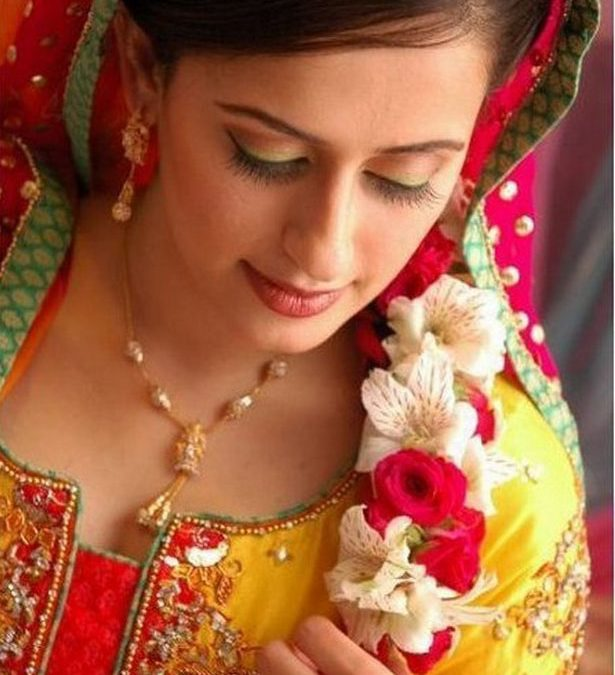 Cute Indian Marriage Girls Facebook Profile Pictures